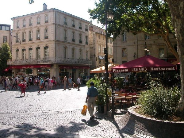 Avignon Minivan Tours
