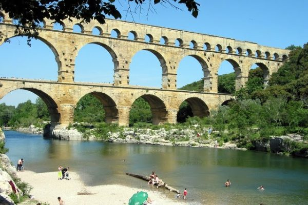 provence private tour nimes aqueduct
